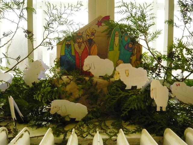 Betlehem az ablakban, B épület első emeleti folyosó
